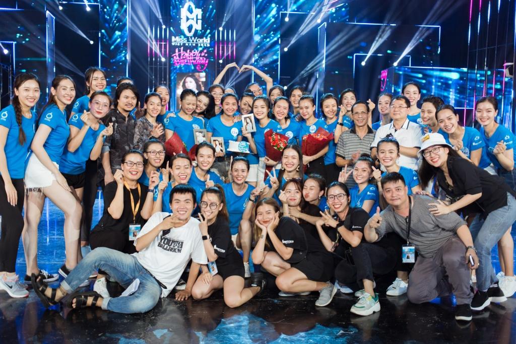 lo dien dan ca si trong dem chung khao phia nam miss world viet nam 2019