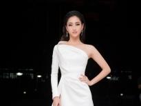 Lương Thùy Linh diện đầm trắng làm giám khảo cuộc thi 'Hoa khôi sinh viên'