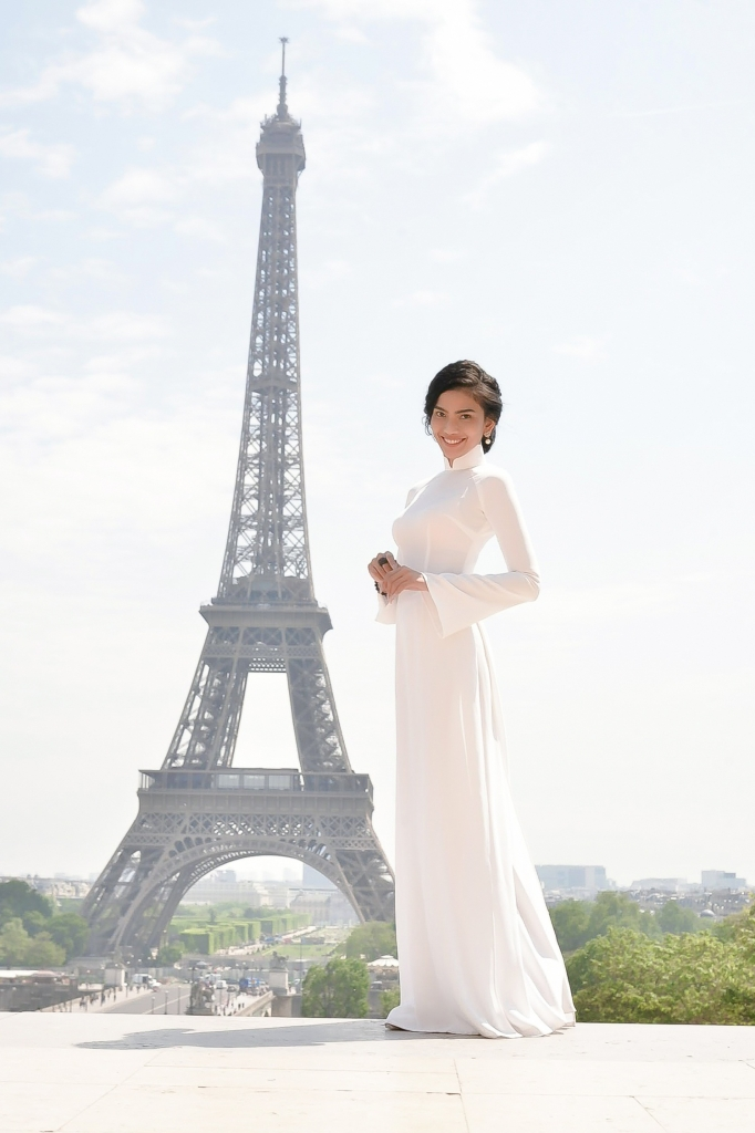 co may sai gon tu tin mang ao dai trang den paris