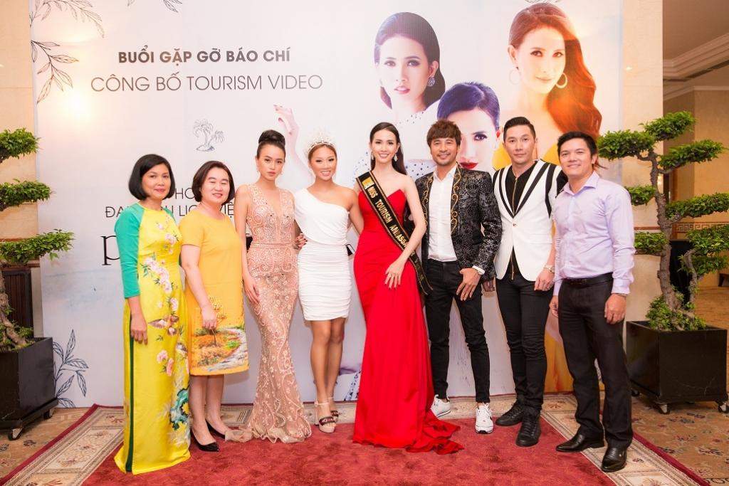 phan thi mo cong bo tourims video truoc khi len duong du thi hoa hau dai su du lich the gioi 2018