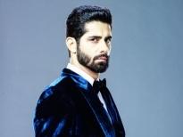 'Ông trùm mafia' Rrahul Sudhir trong 'Cuộc đua tình ái' bị nhiễm Covid-19 khi đang quay phim