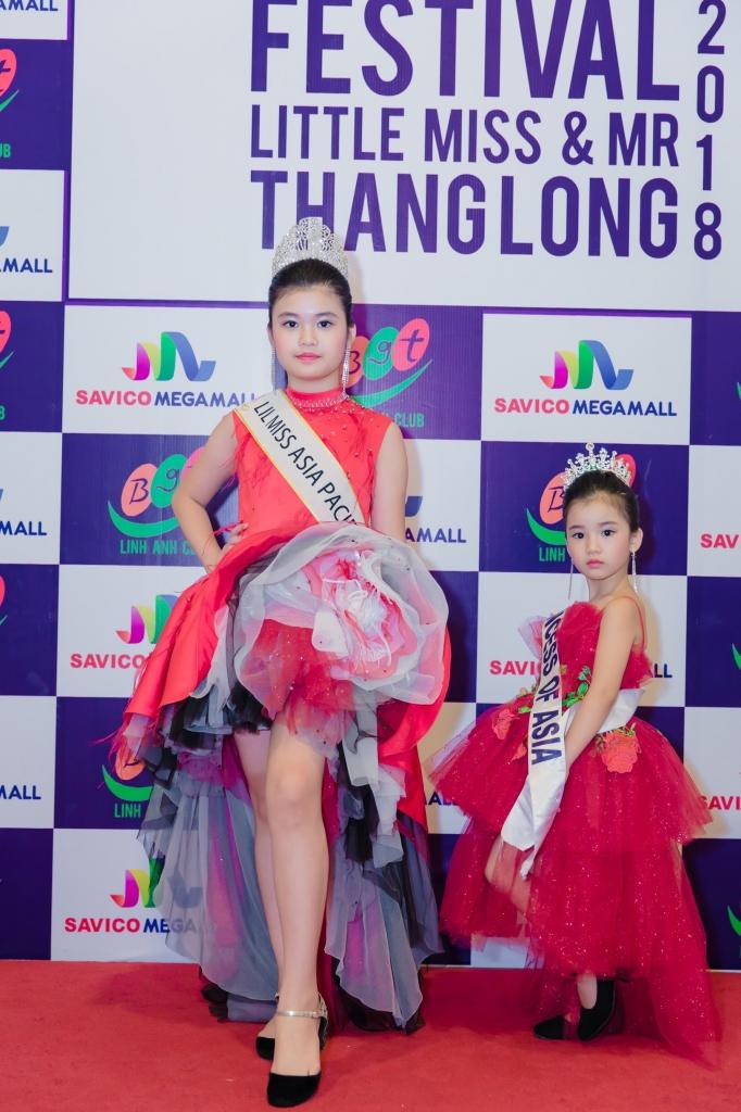 trinh tu trung cung hoc tro tham du hoa hau nam vuong nhi thang long 2018