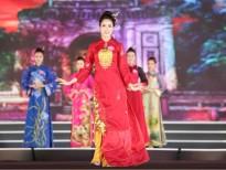 hoa hau viet nam 2018 thi sinh mang mau sac cung dinh len san khau