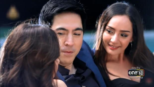 ong bo ham sac sam yuranunt trong chiec la cuon bay gay choang voi profile khung