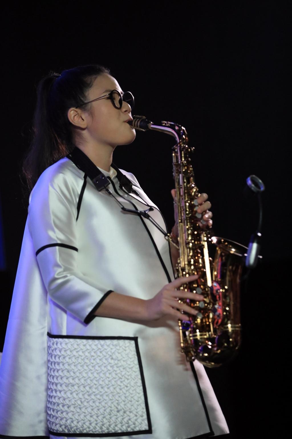 nghe si saxophone tran manh tuan an tran la du an lon nhat cua doi toi