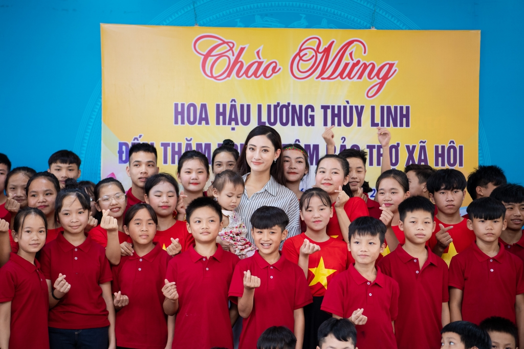 tan hoa hau luong thuy linh ve tham truong cu ho tro uom mam tai nang tuong lai