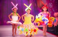 Mâu Thủy, Vân Trang bất ngờ với mẫu nhí catwalk trong trang phục bằng bong bóng