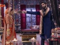 'Cuộc đua tình ái': Cảnh sát Kabir đột nhập vào nhà để cướp cô dâu Riddhima ngay trong hôn lễ