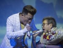 Em trai ca sĩ Hồng Ngọc song ca cùng mẹ trong minishow