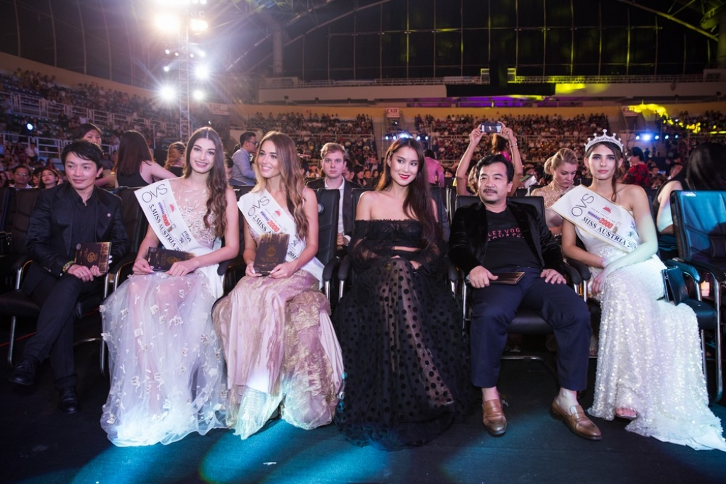 hoa hau ao khang dinh tan hoa hau viet nam la doi thu dang gom tai miss world 2018