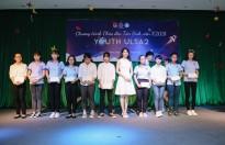 Lucy Như Thảo trao học bổng cho sinh viên khó khăn