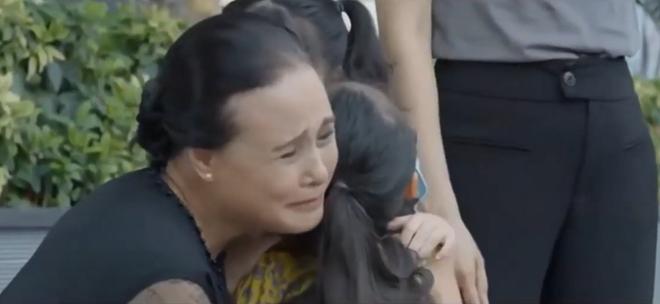 hoa hong tren nguc trai tap 9 tra co thai thai hoi y kien thay boi de li hon vo