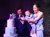 Dương Cẩm Lynh khóc vì xúc động trong tiệc sinh nhật cùng con trai