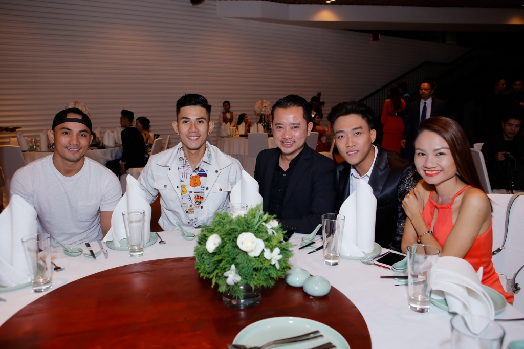 dinh phuoc den chuc mung tiec tri an cuoc thi ms vietnam beauty international pageant