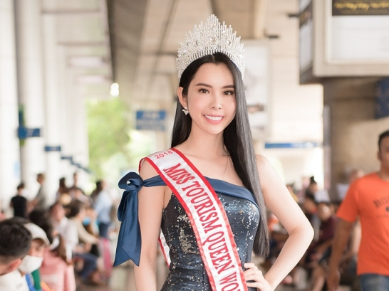 huynh vy dep rang ro doi vuong mien miss tourism queen worldwide 2018 tro ve nuoc