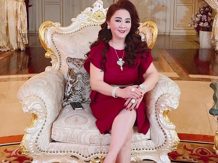 Bà N.P.H phản ứng ra sao khi bị ca sĩ Vy Oanh đề nghị khởi tố?