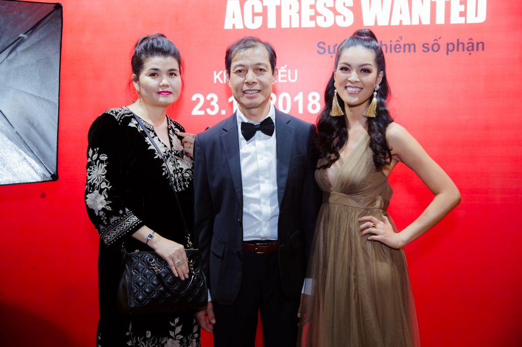 actress wanted he lo cuoc song dien vien goc viet o hollywood
