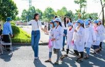 Thí sinh 'Hoa hậu Việt Nam' mở 'Phiên chợ tử tế' cho 500 công nhân