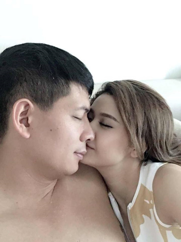 binh minh len tieng ve loat anh than mat voi truong quynh anh