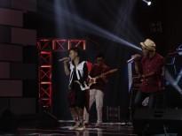 Ban nhạc Ace Flame của Trish Lương đốt cháy sân khấu Ban nhạc Việt