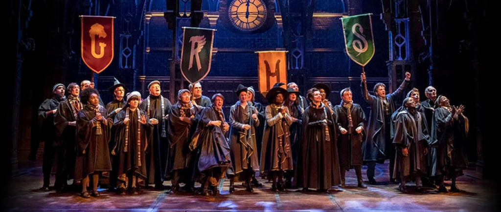 nha van jk rowling tiet lo su that ve du an phim harry potter the cursed child moi