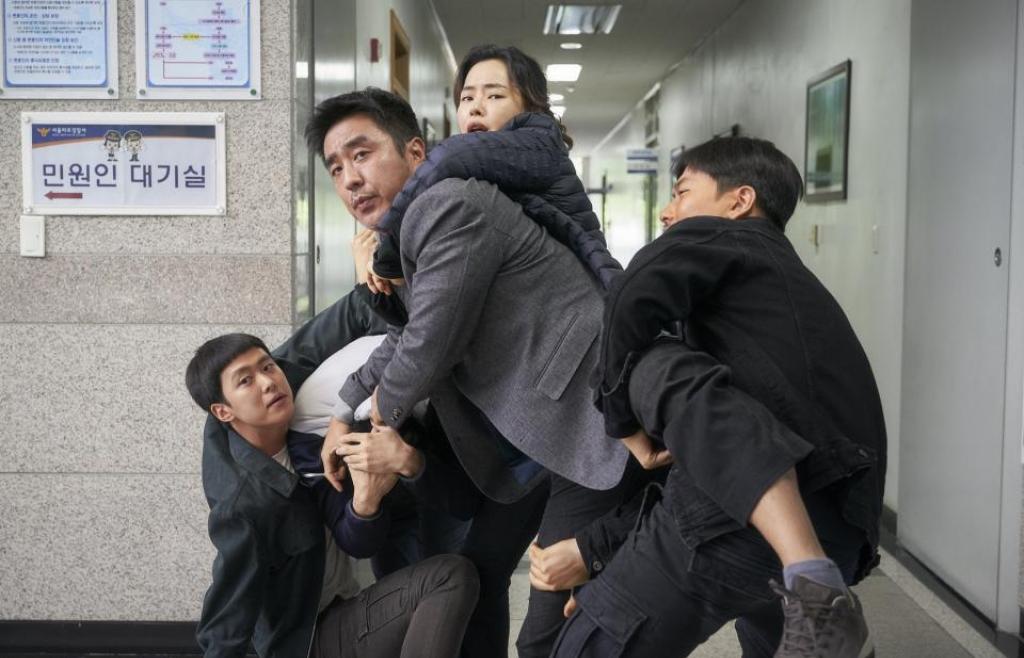 'Extreme Job' đứng đầu bảng phim ăn khách phòng vé Hàn tuần thứ 3 liên tiếp