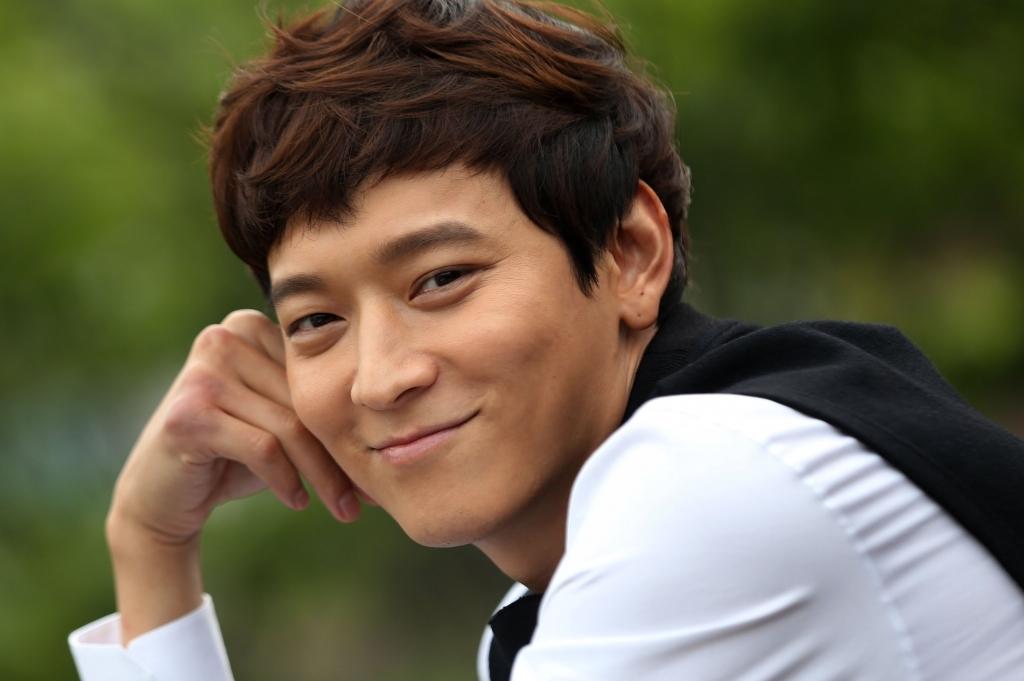 gong yoo kim go eun park bo young dan dau bang xep hang uy tin thuong hieu thang 2