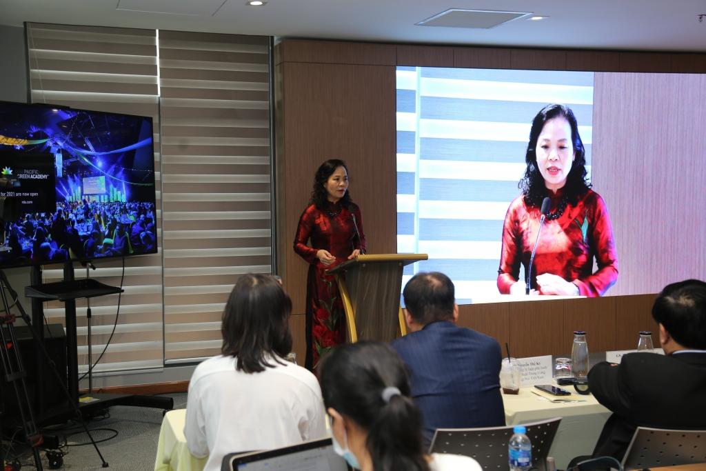 Bà Ngô Phương Lan - Chủ tịch VFDA phát biểu tại Hội thảo