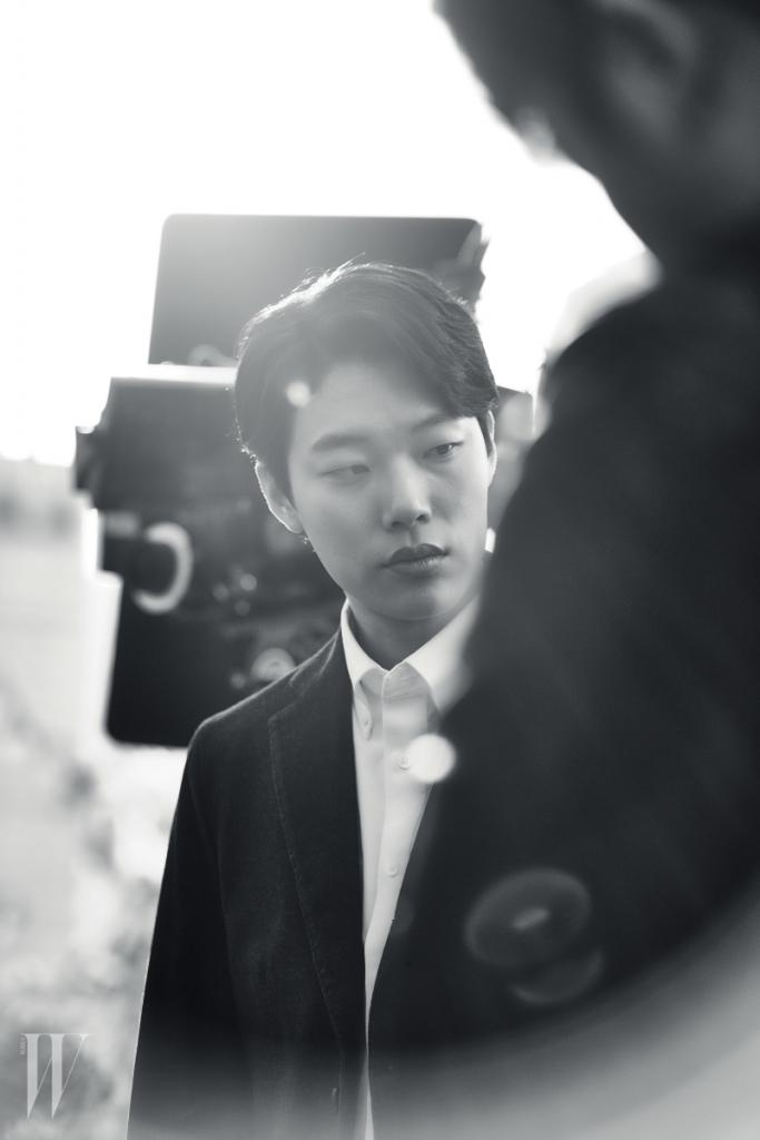 ryu jun yeol dong phim moi cung kim tae ri