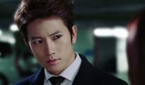 """Ji Sung đồng ý tham gia """"Defendant"""" bên cạnh Yuri"""