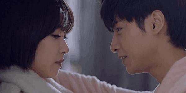 La Vân Hi bất ngờ khóa môi Tống Thiến, chính thức xác lập mối quan hệ tình ái