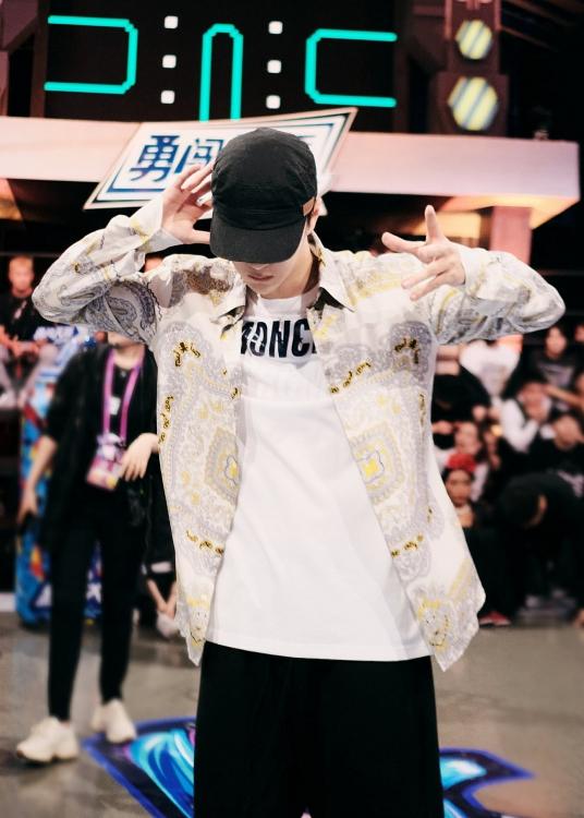 Vương Nhất Bác có tầm ảnh hưởng lớn như thế nào đối với văn hóa street dance tại Trung Quốc