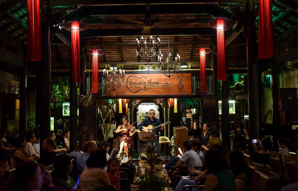 Acoustic Haven Coffee: Có một nét Huế ở Sài Gòn
