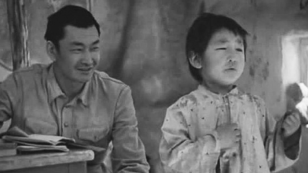 canh nong trong phim viet khong viec gi phai nghiem trong hoa