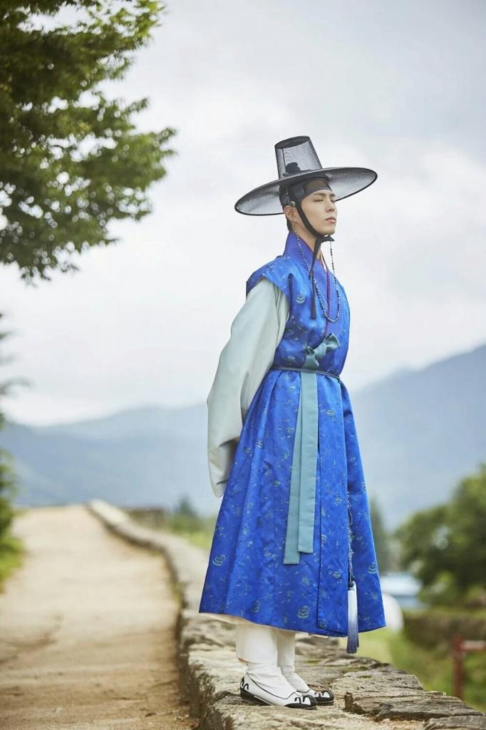 hanbok hanh trinh ghi dau tren phim ngoai doi