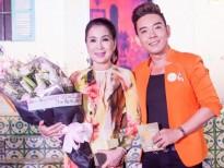 Đoàn Việt Phương chúc mừng NSƯT Kim Xuân với vai diễn để đời