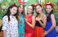 Thuý Uyên, Khánh Ngọc, Phương Mỹ Chi quậy tưng bừng trong tiệc Noel