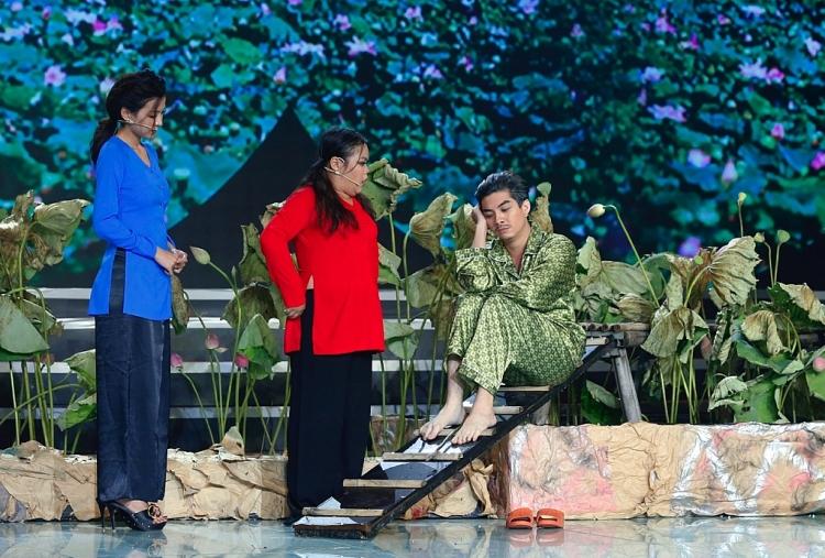 lo to show le duong bao lam nhac chuyen cuu mang ngoc hoa ngay mung 3 tet