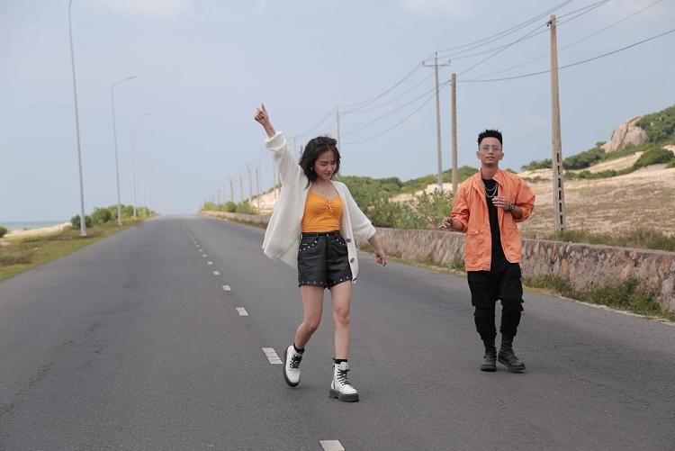 phuong ly rhymastic thuy chi san sang bung no trong su kien 2011