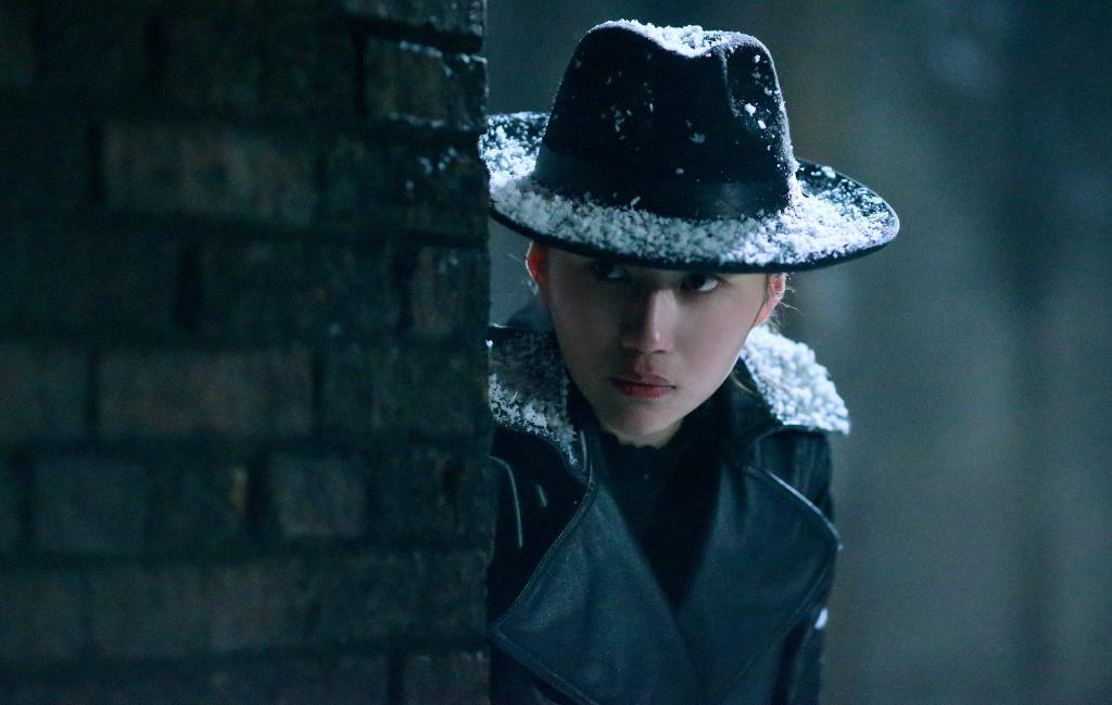"""4. Trong phim Trên vách đá, vai đặc vụ Tiểu Mạnh của Phi Phàm là vai phụ, nhưng cũng được xem là """"Mưu nữ lang"""""""