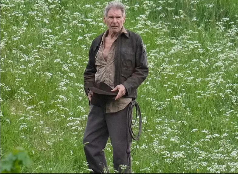 """Tuổi 78 """"bẻ gãy sừng trâu"""" của Harrison Ford"""
