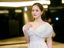 lan phuong khoe sac cung hari won