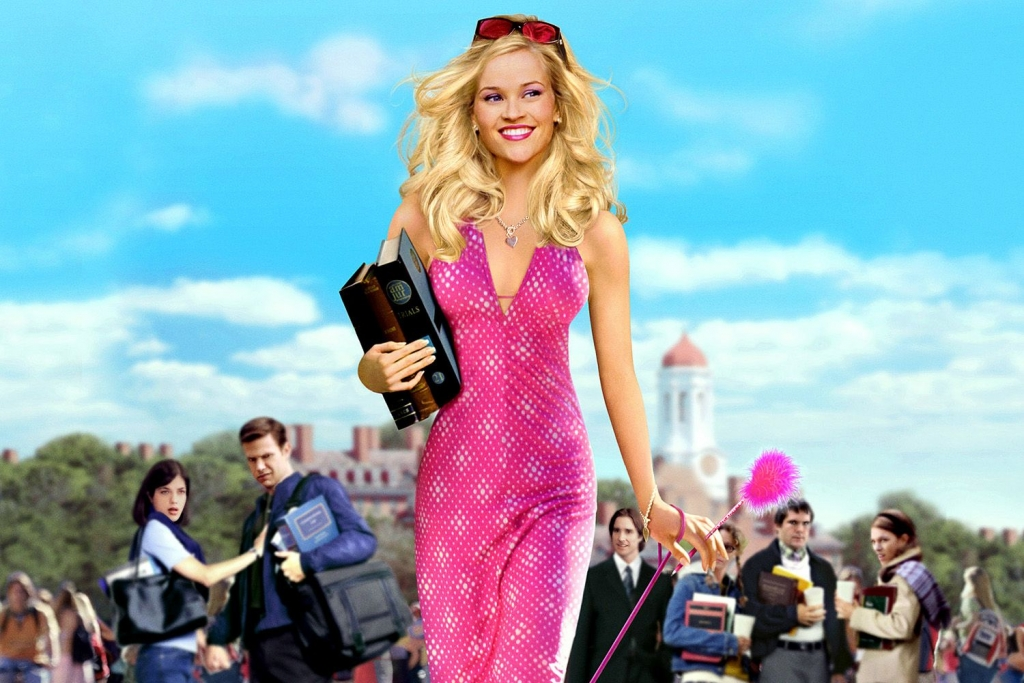 1. Reese Witherspoon trong vai Elle Woods trong phim Legally Blonde
