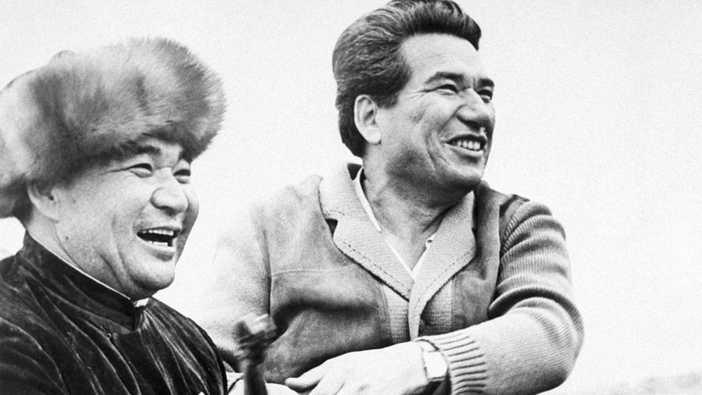 Chinghiz Aitmatov là người anh hùng của người dân Kyrgyz