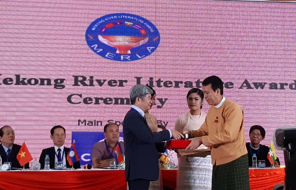 'Mùa chinh chiến ấy' được vinh danh tại Giải thưởng văn học sông Mekong lần thứ 10