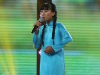 """""""Sốc"""" khi cô bé miền Bắc hát cực ngọt ca khúc miền Nam ở 'Thần tượng tương lai'"""