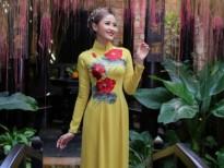 Hoa khôi du lịch Khánh Ngân hút hồn với BST áo dài Hoa sen đất Việt