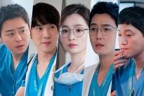 Cặp đôi Song Hwa - Ik Jun chứng minh là friendzone trong tập 2 'Hospital Playlist 2'