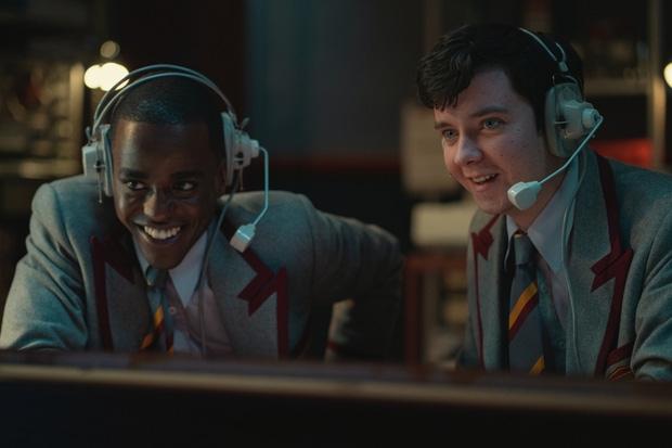 Tình tiết mới trong 'Sex Education 3' hứa hẹn tạo sóng gió, cặp đôi Maeve - Otis có đến được với nhau?