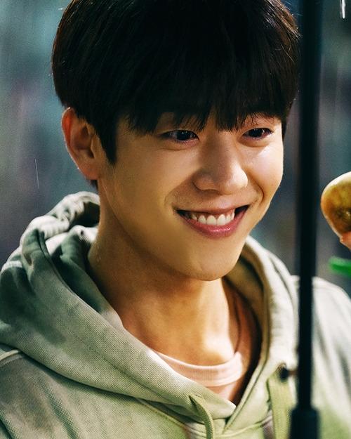 Nam phụ 'Nevertheless' bất ngờ nổi hơn cả Song Kang, được 'mai mối' với Han So Hee